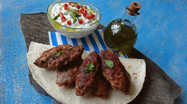 Kofta Tzatziki Salatka Grecka Pomysl Na Grecki Obiad Biegacz